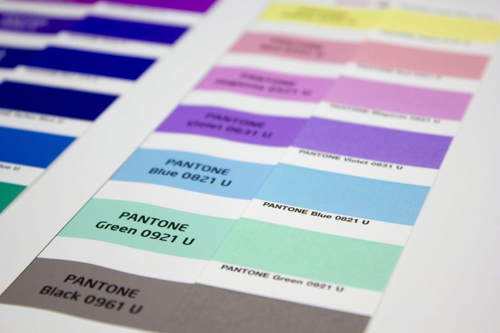 vergleich_PANTONE-U_farben_zum_proof_1