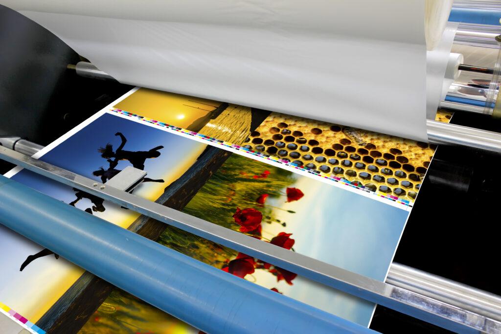 Offset Folienkaschierung mit matter oder glänzender OPP Folie eines Druckes nach Fogra51 PSO Coated V3